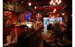 """พิเศษเพียง 125 บาท! ให้คุณอิ่มอร่อยกับสปาเกตตี้แสนอร่อยหลากหลายสไตล์ พร้อมเบเกอรี่เลิศรส และเครื่องดื่มร้อน-เย็นสารพันเมนู ที่ร้านคาเฟ่สุดฮิปใจกลางสีลม """"Montra cafe' & Gallery"""" - BTS ศาลาแดง (สำหรับมูลค่า 250 บาท)"""