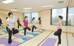 Yoga Studio in Emporium department store that has an abundance of Thai celebrities. Enjoy whole month package with Deepon. 2600Baht for normal price, but get only 880Baht from our DEAL!   Now is the right time to shake your body a little and cherish you