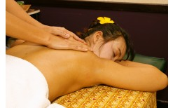 """Special! 349BHT for super special package with Foot Massage + Thai Massage + Head Massage 120 min  at """"31 Nail Salon&Spa"""" (Valued at 700 BHT)"""