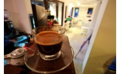 """たったの49バーツ!エカマイ""""Doi Chaang""""で、ホット、アイス、フラッペなど、タイ産のドイチャン・アラビカコーヒー豆の""""美味しいコーヒーを楽しんで下さい。(通常価格100バーツ)"""
