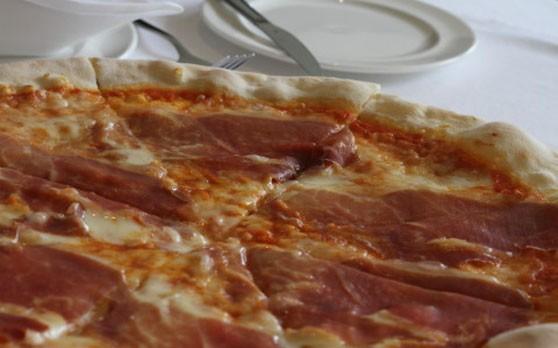6. Pizza Parma Ham